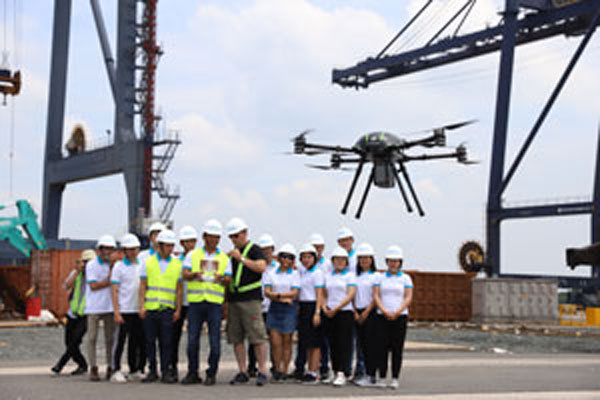 Introducing flying equipment of VND 20 billion to draw seaports takes only half a day